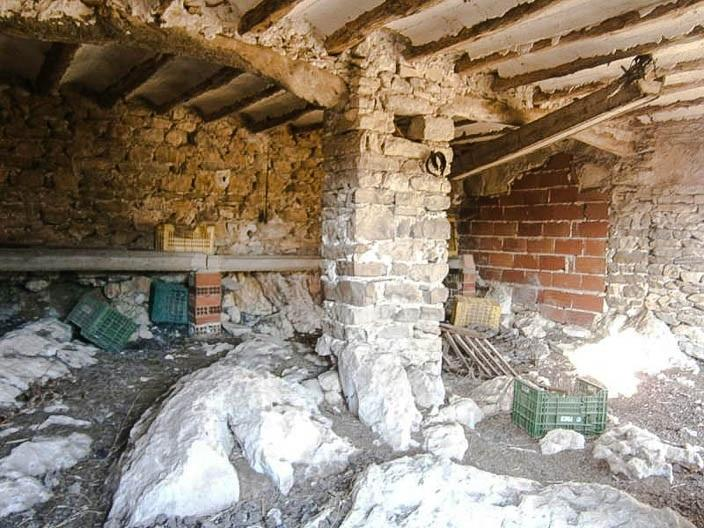Casita in Castell de Castells for renovation.